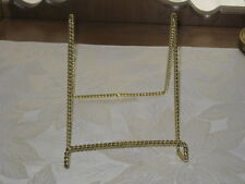 LARGE GOLD TONE DOUBLE TWISTED WIRE EASEL