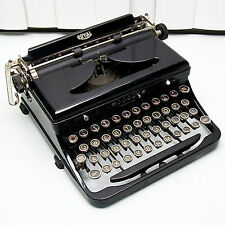 Vtg Royal Black Portable Typewriter With Case Glossy Black Glass Top Keys.