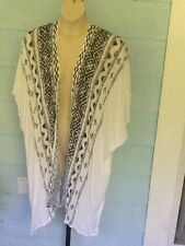 STEVE MADDEN Shawl WRAP With Sleeves White ONE SIZE Plus Woman's Toppers NWT$49