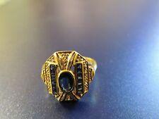 Bague or jaune 18 carats avec saphirs calibrés et diamants