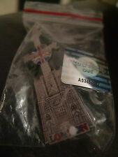 Hard Rock Cafe LONDON Westminister Abbey Guitar Pin . NEW BAGGED