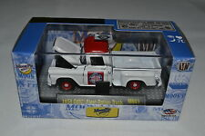 M2 MACHINES - CASTLINE MOON PIE RELEASE 1958 GMC FLEET OPTION TRUCK MN01
