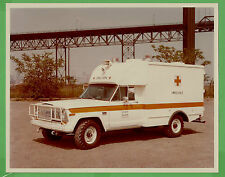 VTG 1976 Jeep J-200 US Navy Ambulance File Photo 8x10 Front ¾ Driver View 5125 N