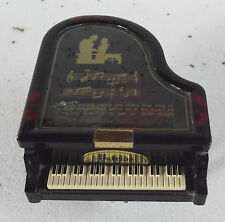 ANCIENNE BOITE à MUSIQUE PIANO VINTAGE Sing us a Song you're the piano man sing
