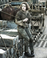 Maisie Williams UNSIGNED photo - E413 - Game of Thrones