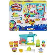 Play Doh Town Pet Store(includes 4 cans of Play-Doh Modeling Compound) 3+ Years