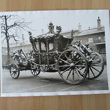PHOTO DE PRESSE ANGLETERRE FAMILLE ROYALE THE GOLD STATE COACH CAROSSE ROYAL