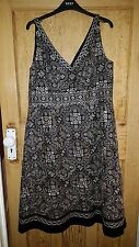 Monsoon Black and White Dress Brand New Size 18 rrp £95
