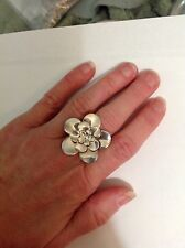 Italian Sterling silver wide band flower ring size 7 127-9