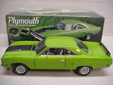 ROAD RUNNER BEEP BEEP SASSY GREEN 440 6 PACK 1970 PLYMOUTH GMP 1/18 NICE