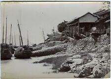 PHOTO CHINA chine scène de genre village au bord de l'eau bateau pêche