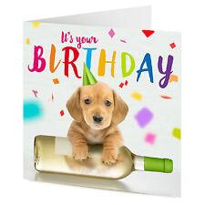 Es tu cumpleaños Lindo Cachorro en una botella de vino blanco Tarjeta De Cumpleaños