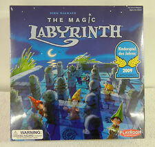 THE MAGIC LABRYINTH Game : Wizard Apprentices Search Maze to Win Master's Favor