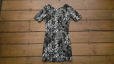H & M STUNNING BLACK & WHITE SNAKESKIN EFFECT LOW BACK BODYCON DRESS SIZE 8