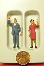 O 1:43 scale Preiser 65360 President Obama And Michelle Figures