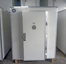 Premium Quality James Coolrooms Brand New 1.8 x1.8 x 2.1m high Inc Kirby Drop in
