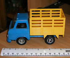 PLAYART MODEL   *** FARM CATTLE TRUCK  ***  SCALE UN-KNOWN - MADE IN HONG KONG