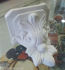 Peana flor de lis. Figura de escayola para pintar