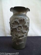 Vase en étain Epoque Art Nouveau signé A .CHEZAL a décors de fleur