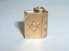VINTAGE 14K YELLOW GOLD JEWISH PRAYER  BOOK CHARM PENDANT opens up to prayer