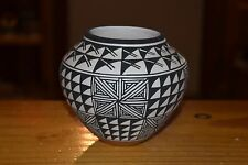 ROXANNE VICTORINO HANDCOILED ACOMA BOWL! BEAUTIFUL PAINTING/FREE SHIP/FINE LINE