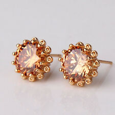 Captivating champagne Swarovski crystal 18K GF chic party stud earring