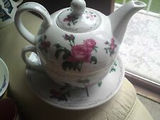 The Leonardo Collection Tea For One redoute Rose Teapot & Cup & saucer, VGC,