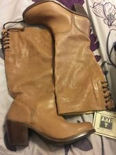 New Frye Carmen Lace Up Boots 9.5