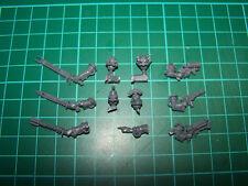 Adeptus Mechanicus Skitarii Alfa cabezas y armas (bits)