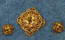 Vintage Pin and Earring Set Signed Lisner.