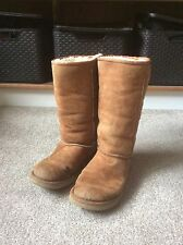 Genuine Women's Tan Ugg Australia (size W7) Cheap!!
