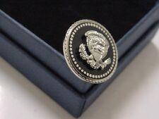 President TRUMP Lapel Pin - Presidential seal Lapel Pin  (silver color)