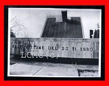 FOTOGRAFIA PHOTO TERREMOTO 1980 IRPINIA - MONUMENTO ALLE VITTIME DEL 23/11/1980