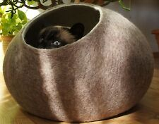Cat House, Bed, Cave. Handmade. Ecological Sheep Wool. Color Sand brown. Size L.