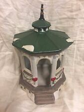 Lemax 1991 Christmas/Holiday Green Garland Gazebo Pavilion Snow Porcelain