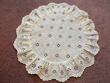 Collectible Eyelet Lace Doily Table Linen Off White 12 Inch Round NICE