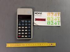Ancienne calculatrice avec etui et notice NOVU KORES 824 old calculator vintage