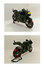 1:12 Minichamps Valentino Rossi Ducati 2011 Test + Tyre Warmers Set RARE NEW
