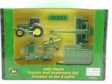 1/64 ERTL JOHN DEERE 7800 TRACTOR AND HAY SET