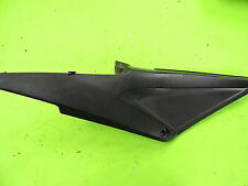 05-06 HONDA CBR600RR RIGHT FRONT SIDE SEAT SADDLE PANEL TRIM COWL FAIRING