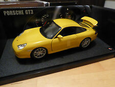 HOT WHEELS Porsche 911 GT3 in Yellow (B8943) - NEW BOXED in MINT CONDITION