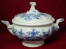 MEISSEN Germany china BLUE ONION X Backstamp Sauce Boat & Lid