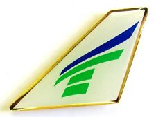 10345 TRANSAVIA DUTCH LOGO AIRLINES AIRWAYS AVIATION PLANE TAIL PIN BADGE