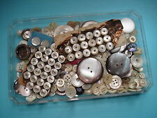 Lot de BOUTONS Anciens en NACRE - Mother of pearl buttons