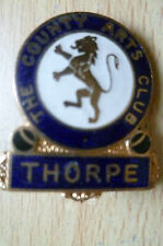BADGE- THE COUNTY ARTS CLUB, THORPE (apx.2.8x2cm)