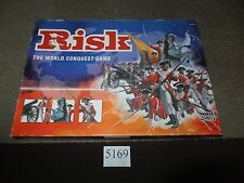 Risk - Parker Board Game Inc 300+ Minatures 2004 Fully Complete Free UK Postage.