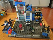 Kre-O Cityville Invasion Haunted Hideaway (A3247). Lego compatible