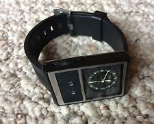 NIXON The Score Black Rubber Analog Mens Watch A067-211 NEW BATTERY Excellent