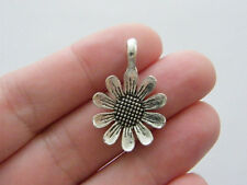 6 daisy flower charms antique ton argent F132