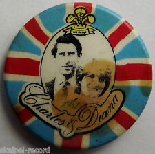 CHARLES & DIANA Vtg 1981 32mm Button Pin Badge wedding prince spencer CD105
